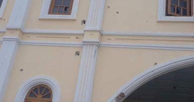 ဒီးမော့ဆိုရှိ စိန့်ဂျိုးဆက်ဘုရားကျောင်းအား စစ်ကောင်စီတပ်မှ ပစ်ခတ်ဖျက်စီးခဲ့သည်ဟု KPDF သတင်းနှင့်ပြန်ကြားရေးဗျူရိုမှ ထုတ်ပြန်